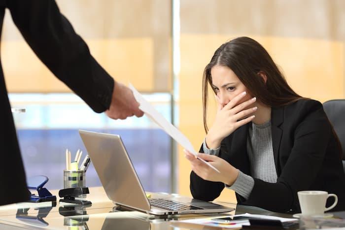 Preavizul de concediere, SCURTAT. Angajatii vor parasi mai repede firma