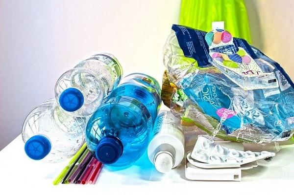 De saptamana viitoare incep amenzile pentru folosirea plasticului