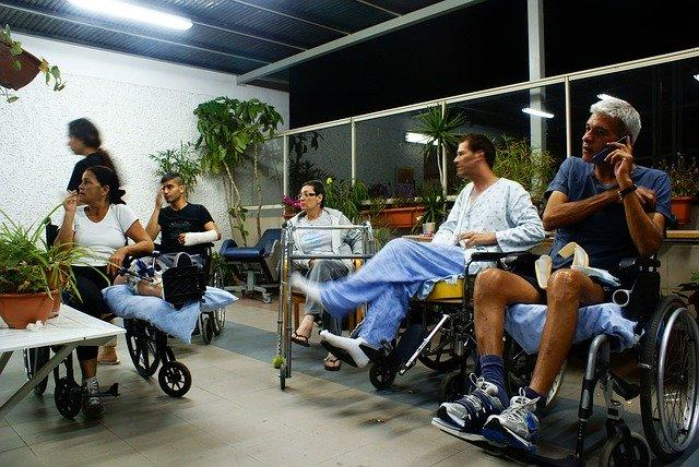 Firmele care nu angajeaza persoane cu dizabilitati vor plati taxe suplimentare. Suma anuala poate depasi 26.000 de lei