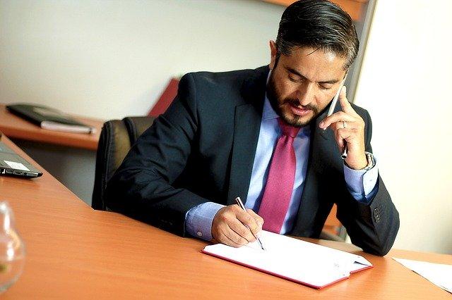 Procuror: Meseria de avocat din oficiu, forma degradanta de exercitare a acestei profesii. Reactia unor judecatori