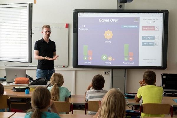Catalogul electronic se intoarce in anumite scoli
