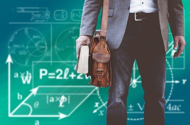 CCR: Banii in plus dati profesorilor in pandemie, beneficiu nejustificat