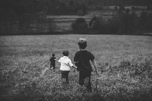 CCR, decizie privind scaderea retroactiva a indemnizatiei pentru cresterea copilului
