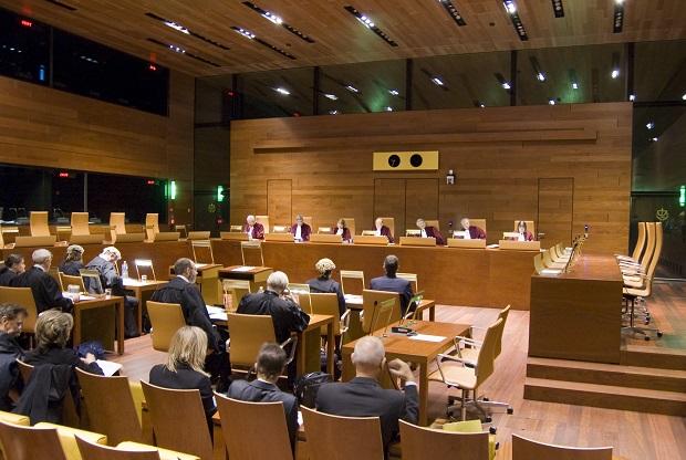 CJUE: Instanta nationala nu poate face abstractie de obligatia statului de a transpune o directiva UE