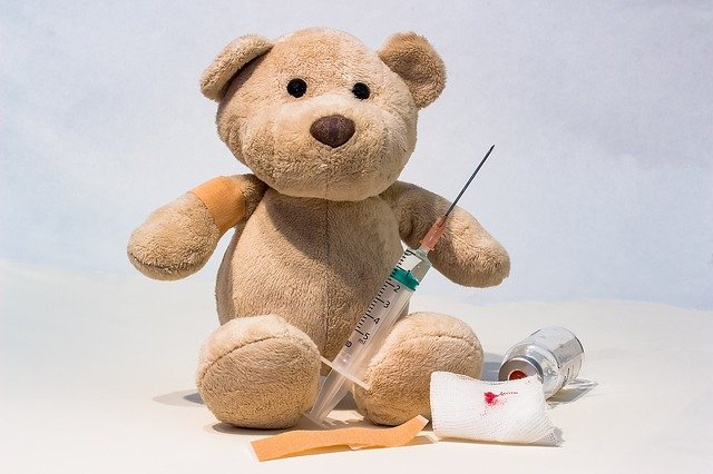 Copiii cu varsta intre 12-18 ani pot fi vaccinati cu Pfizer/BioNTech (COMIRNATY)