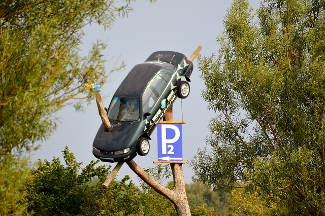 Drumul de la si inspre serviciu, eliminat din categoria accidentelor pe care le acopera angajatorul