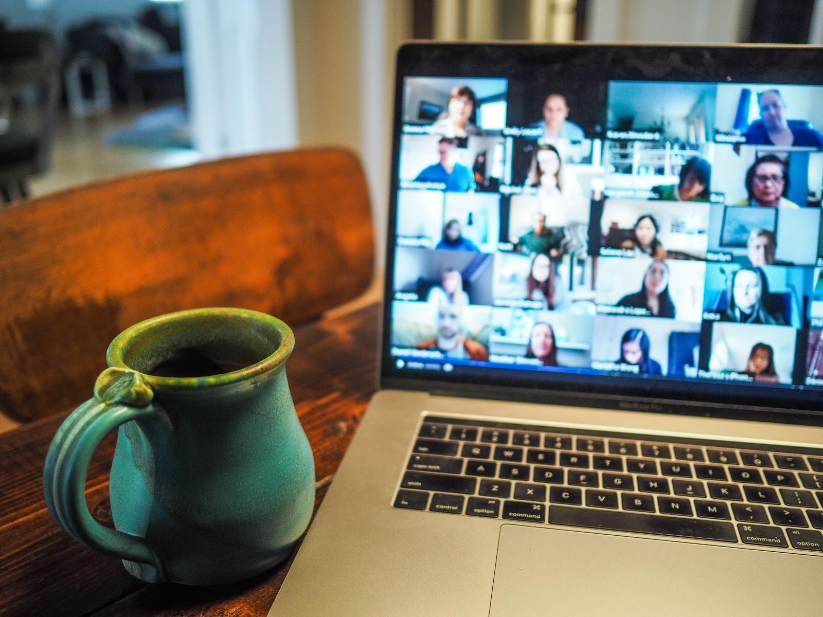 De ce e important sa fii informat dupa ce inchizi laptopul si programul de lucru