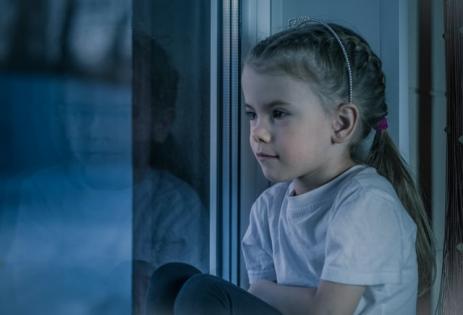 Parintii, vecinii, profesorii si colegii minorilor, infractori daca nu raporteaza abuzul sexual asupra copiilor