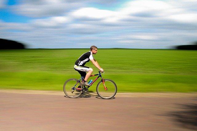 Interdictii noi pentru biciclisti si trotinetisti