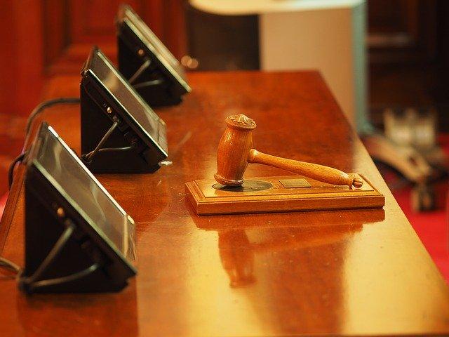 Judecator: Munca peste program si cea din weekend trebuie remunerata, daca nu se compenseaza cu timp liber platit