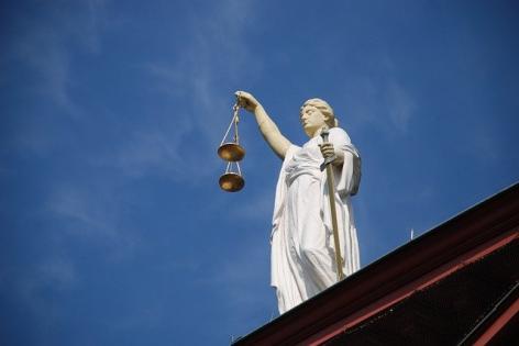 Judecatorii si procurorii cer CSM reducerea taxei de inscriere pentru concursul de admitere la INM