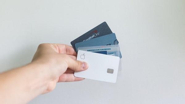 Lege impotriva camatarilor si a recuperatorilor de credite: dobanzile excesive vor disparea