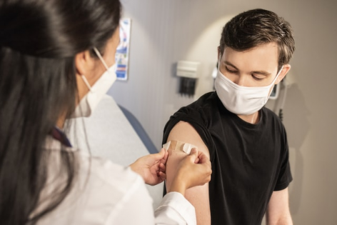 Zile libere vaccin anti-Covid. Legea nr. 221 din 2021 a fost publicata in Monitorul Oficial!