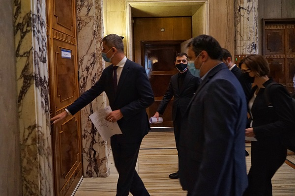 Toti ministrii USR PLUS au demisionat