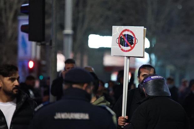 Stoica, prefectul Capitalei: Nu renuntam la restrictii!