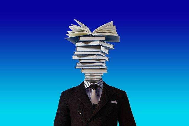 Avocatii, notarii, juristii si executorii, profesori pentru liceeni
