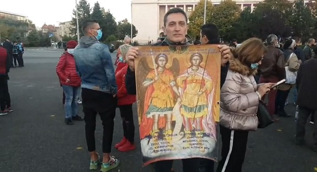 Protestatarii anti-carantina si anti-masca, amendati de jandarmi