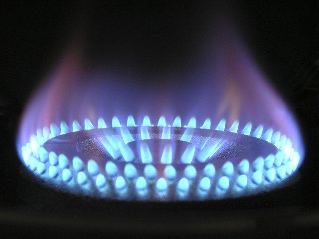 Judecator: Racordarea la gaze naturale este GRATUITA