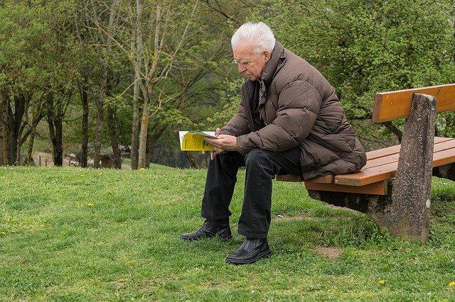 Recalculare pensie. Includerea sporurilor, primelor si al altor premii banesti