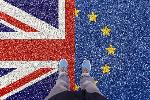 Cetatenii UE, acceptati in UK pe baza de punctaj