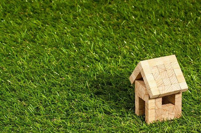 SUCCESIUNEA. Uzucapiunea prin Vechiul Cod Civil pentru o casa din chirpici
