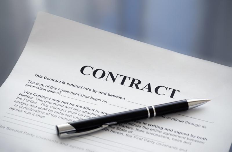 model contract prestari servicii